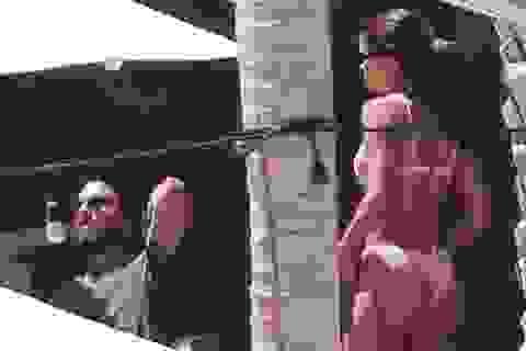 Sofia Richie khoe dáng nóng bỏng bên bạn trai