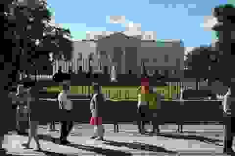 Người đàn ông dùng súng tự sát bên ngoài Nhà Trắng