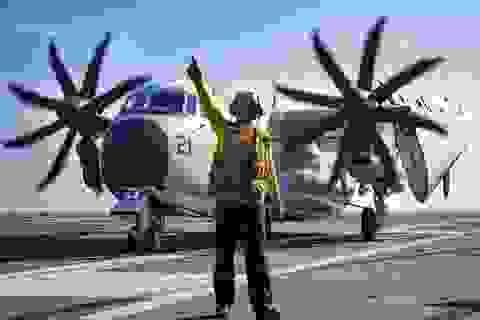 """Máy bay vận tải """"Ngựa thồ"""" trên tàu sân bay Mỹ thăm Việt Nam"""