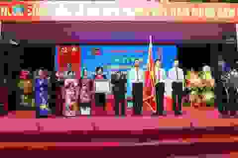 Trường mẫu giáo Việt Triều đón nhận Huân chương Độc lập hạng Ba