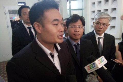 Tòa án nhân dân TPHCM đình chỉ phiên tòa Vinasun kiện Grab đòi 42 tỷ đồng