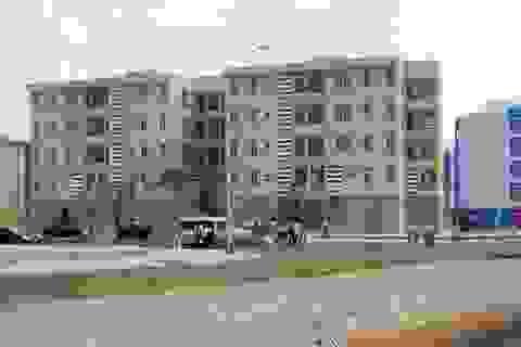 """TPHCM: Hàng nghìn căn hộ tái định cư xây xong rồi """"bỏ hoang"""""""