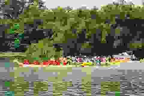 Sôi nổi lễ hội đua thuyền trên sông Thạch Hãn