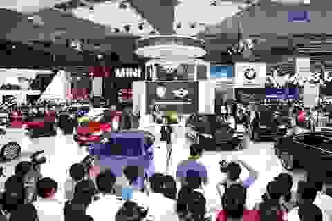 Hạn chế nhập khẩu - Có xe gì cho người giàu ở Việt Nam?