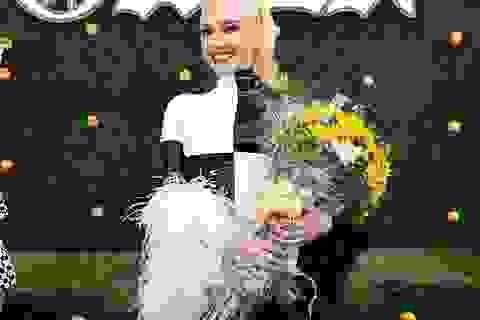 Gwen Stefani tái xuất sành điệu