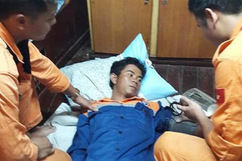 Tàu nước ngoài cứu thuyền viên Việt Nam trôi dạt ngoài khơi Nha Trang