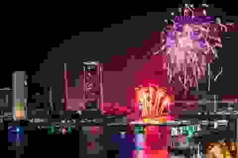 Nghỉ lễ 30/4: Ngắm pháo hoa trên bầu trời Đà Nẵng và tận hưởng kỳ nghỉ bình yên bên bờ biển