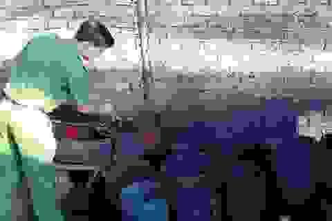 """Cà phê """"nhuộm"""" pin, thuốc ung thư trộn than tre: Người Việt đang tự giết mình"""