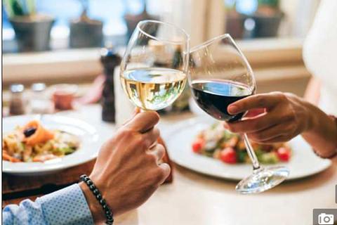 10 ly rượu mỗi tuần có thể giảm 2 năm tuổi thọ