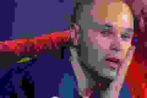 Iniesta bật khóc trong trận chung kết cuối cùng ở Barcelona