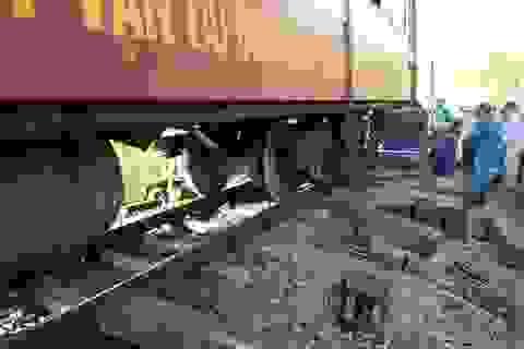 Tàu SE8 trật bánh ở Bình Thuận, đường sắt Bắc-Nam tê liệt