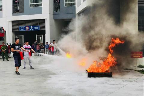 Tập huấn phòng cháy chữa cháy và cứu hộ cứu nạn tại dự án Hồng Hà Eco City