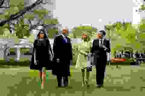 Mỹ bắn đại bác đón Tổng thống Pháp theo nghi thức cao nhất