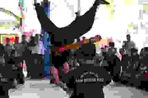 """""""Mãn nhãn"""" xem công phu của đệ tử võ sư Huỳnh Tuấn Kiệt"""