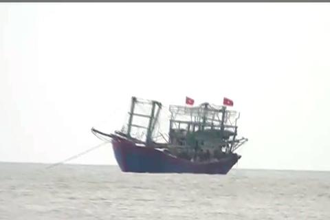 Bị tàu lạ đâm chìm, 21 thuyền viên gặp nạn trên biển