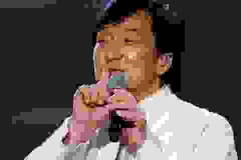 Đón tuổi 64, Thành Long ra album ca nhạc, đóng phim hành động