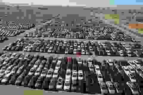 """Choáng với bãi chứa xe động cơ diesel """"lỗi"""" của Volkswagen"""