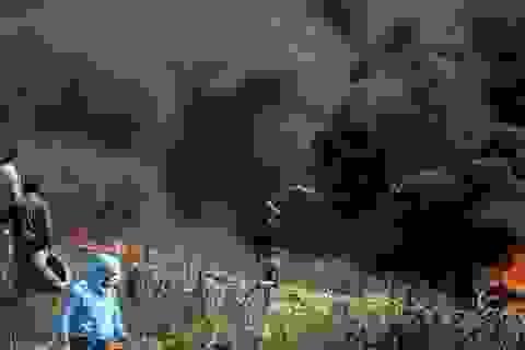 Xung đột đẫm máu khi 20.000 người Palestine biểu tình tại Dải Gaza