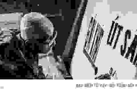 Cụ ông gần 40 năm vẽ bảng hiệu quảng cáo bằng tay giữa Sài Gòn