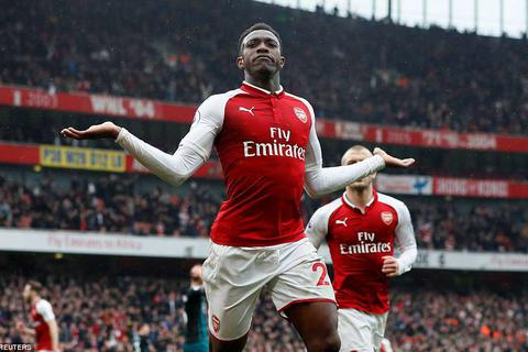 """Arsenal 3-2 Southampton: """"Chân gỗ"""" Welbeck thành người hùng"""