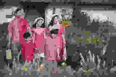 MC Phan Anh lần đầu đưa cả vợ lẫn con lên sân khấu làm người mẫu