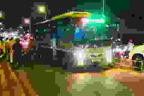 Cô gái trẻ tử vong dưới gầm xe buýt