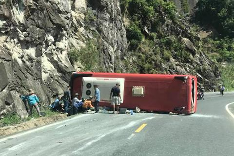 Giám đốc Sở nói gì về việc tài xế khai đâm xe vào núi để khỏi rơi xuống vực?