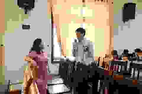 Sinh viên hào hứng trong buổi tập huấn tư vấn chăm sóc sức khỏe