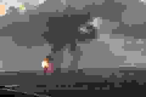 Israel không kích đường hầm ở Dải Gaza, đóng cửa cửa khẩu quan trọng