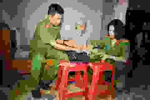 Công an tới tận giường bệnh giúp dân làm chứng minh thư