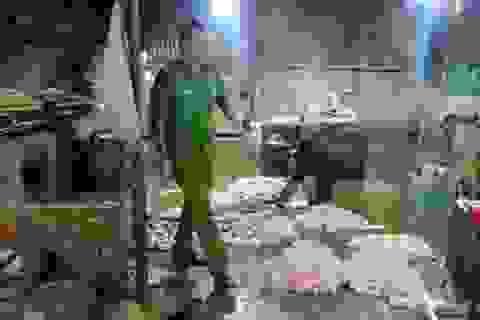 Kinh hãi nội tạng bò ngâm hóa chất trước khi mang bán