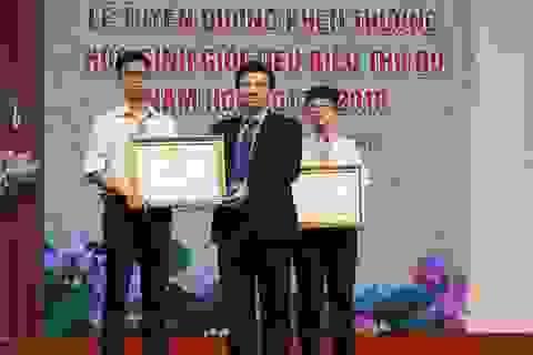 Hà Nội tuyên dương gần 1.000 học sinh giỏi tiêu biểu năm học 2017 - 2018