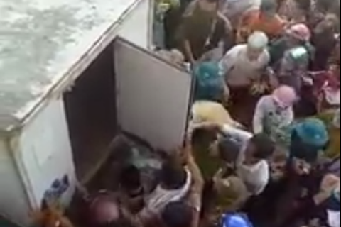 Sự thật đôi nam nữ nghi bắt cóc trẻ em, quỳ lạy xin tha vì bị dọa đánh