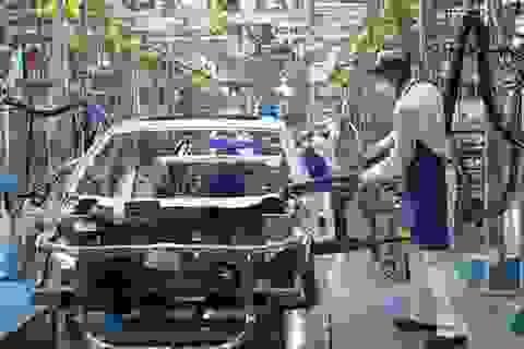 """Đóng góp GDP của công nghiệp chế tạo Việt Nam """"thua"""" cả Campuchia"""