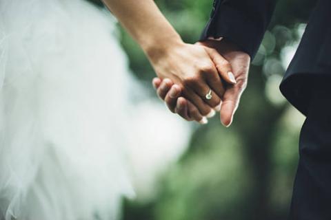 Từ khi hoàng tử cưới vợ…
