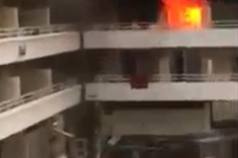 Khách sạn bốc cháy chỉ vì trò đùa ngớ ngẩn của du khách trẻ