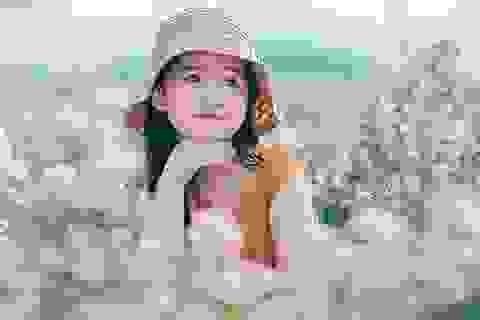 """Hình ảnh """"không thể không yêu"""" của bé gái 5 tuổi trước ống kính máy ảnh"""