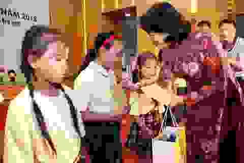 """""""Lắng nghe trẻ em từ trái tim, bảo vệ trẻ em bằng hành động"""""""
