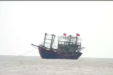 Không giám sát được tàu nước ngoài tắt thiết bị khi vi phạm lãnh hải?