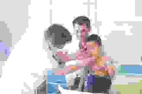 Bé trai 5 tuổi mọc ria mép, béo phì vì tuỳ tiện dùng thuốc chữa ho
