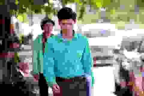 VKS phải sửa lệnh cấm đi khỏi nơi cư trú của bác sĩ Hoàng Công Lương