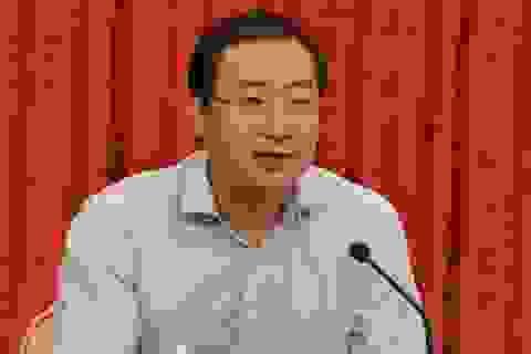 """Lộ diện quan tham Trung Quốc """"ga lăng"""", nhận hối lộ trăm tỷ để cho gái"""