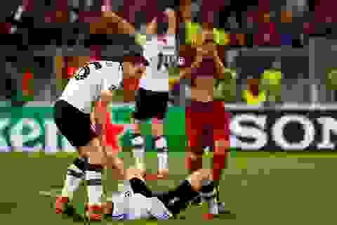 Liverpool vào chung kết Champions League: Bùng nổ nhưng… mong manh