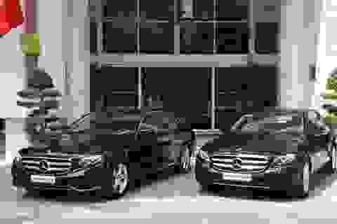 Mercedes-Benz Việt Nam bàn giao bộ đôi E 250 thế hệ mới cho khách sạn Rex