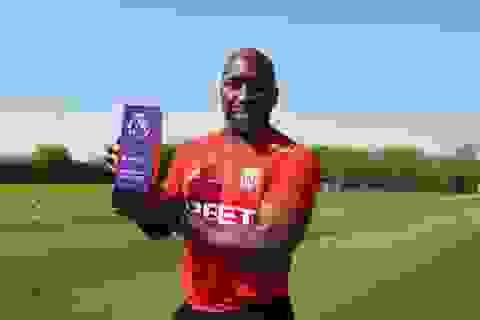 HLV đội xuống hạng nhận giải xuất sắc nhất tháng ở Premier League