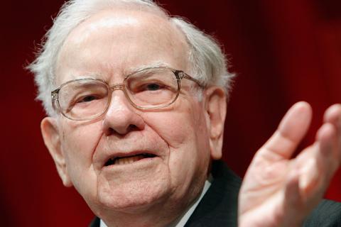 Tỷ phú Warren Buffett ví Bitcoin độc gấp đôi thuốc chuột