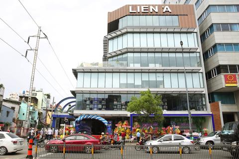 Liên Á ra mắt showroom lớn nhất tại trung tâm TPHCM