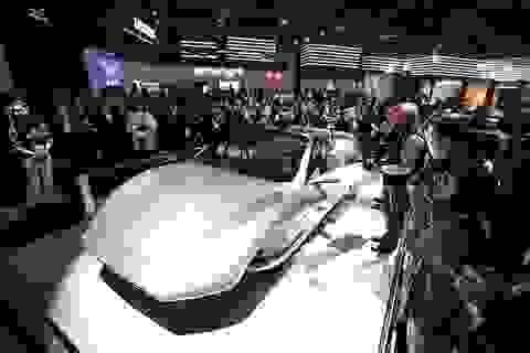 Triển lãm công nghệ tranh khách của triển lãm ô tô truyền thống