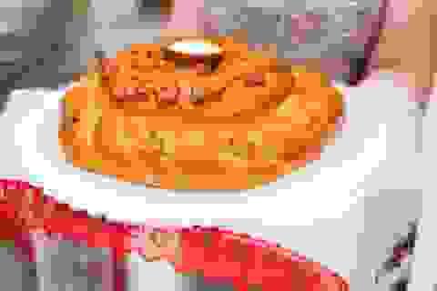Tại sao người Nga đón khách với bánh mì và muối?