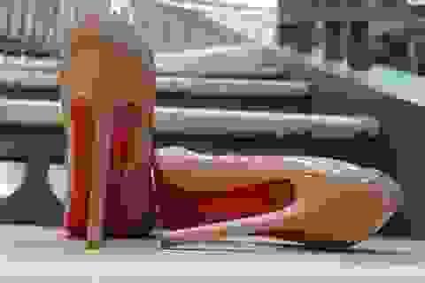 Đế giày đỏ trở thành bản quyền riêng của nhà thiết kế Christian Louboutin